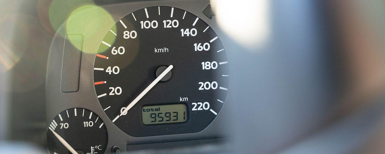 Europa aprueba una directiva para controlar la velocidad de los coches de forma automática
